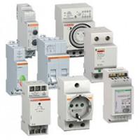 15007 Выключатель/переключатель модульный для распределительного щита Multi9 оборудование контроля и управления Schneider Electric